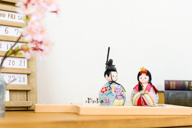 雛人形と流行、お雛様の人気の傾向を探る!はやりは小さな雛人形?