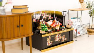 人気上昇中の雛人形 収納飾り!飾り台に収納スペースを設けたお飾り