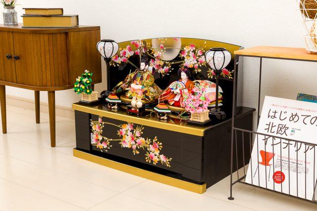 大人気の桜模様!収納タイプの親王飾り「桜物語」登場