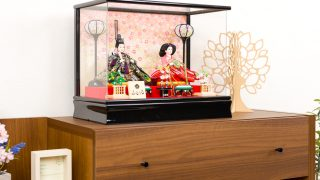 ホコリや傷から雛人形を守る!出し入れ簡単なケース飾りの雛人形